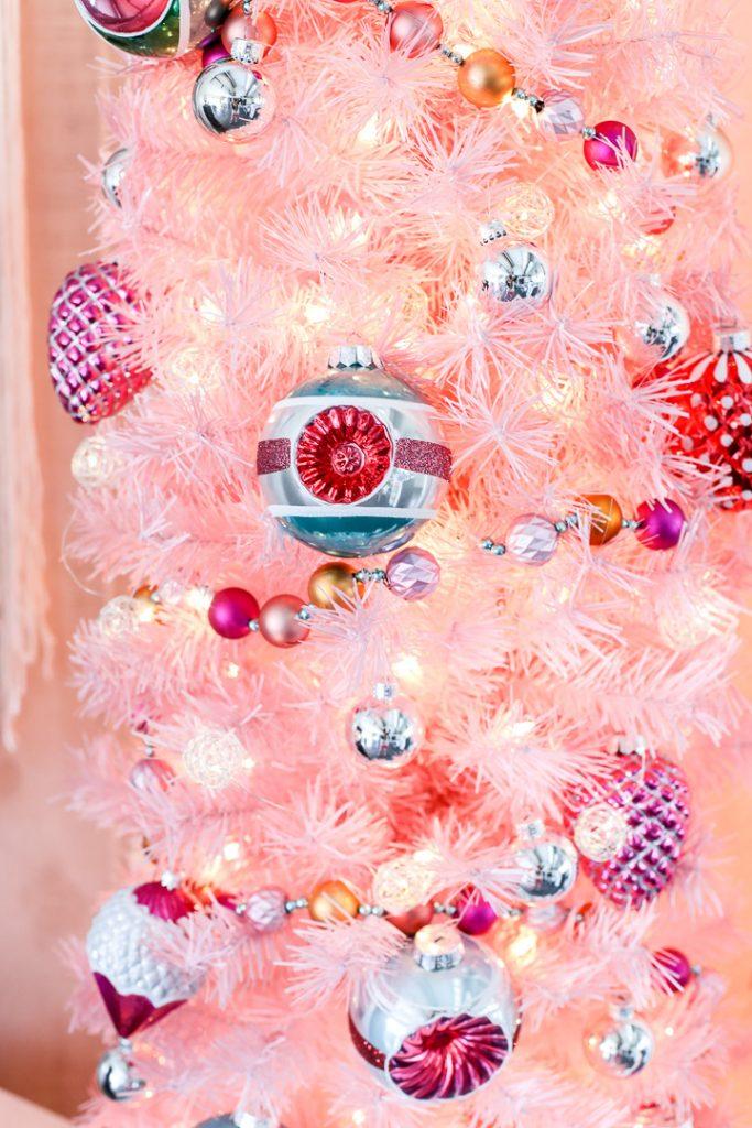 Pink christmas tree decor idea 7
