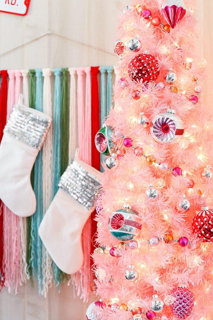 Pink christmas tree decor idea 8