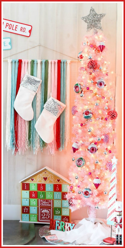 Pink christmas tree vintage decor idea