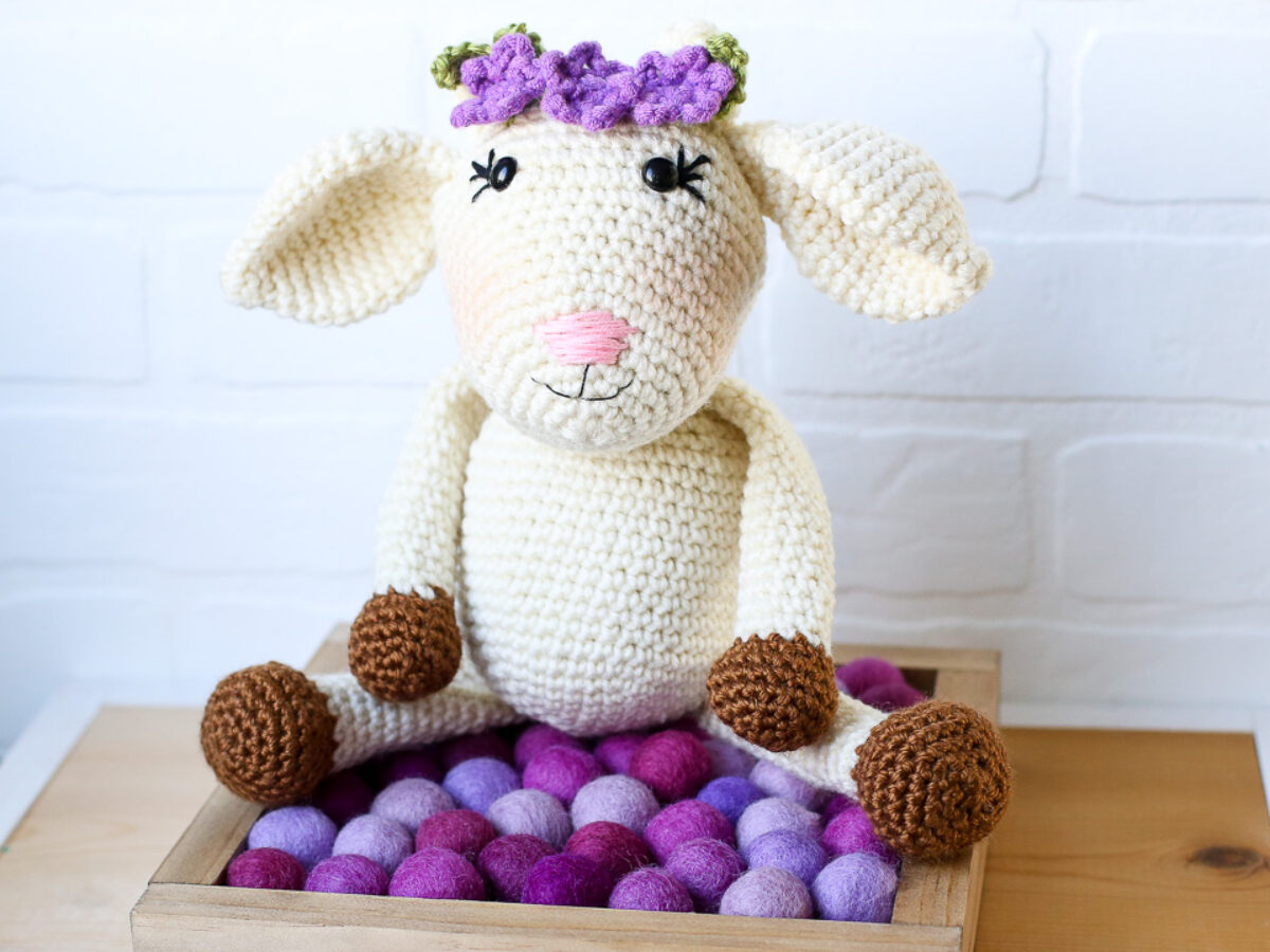 Amigurumi Pattern - Gordy the Goat | Bluprint | 900x1200