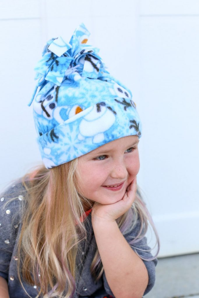 Simple sewing fleece hat idea 24