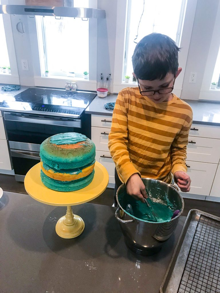 Blue and gold cake cub scout idea 2