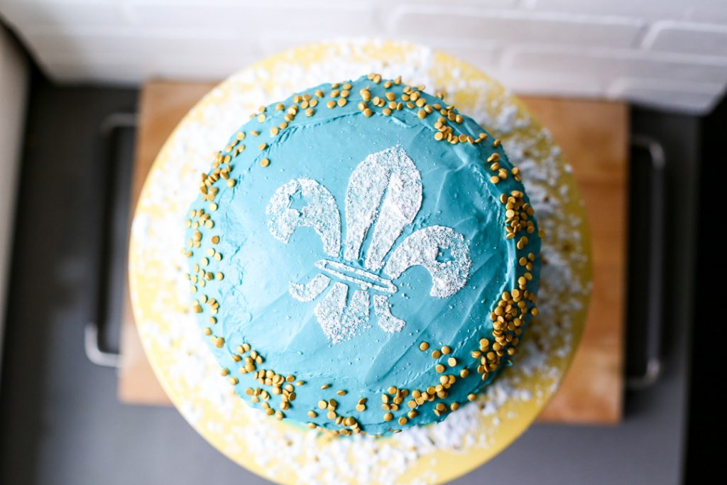 Blue and gold cake cub scouts 5