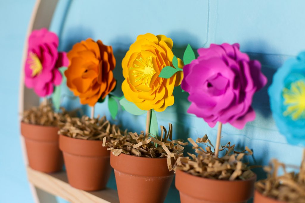 Mini flower pot wreath craft idea 5