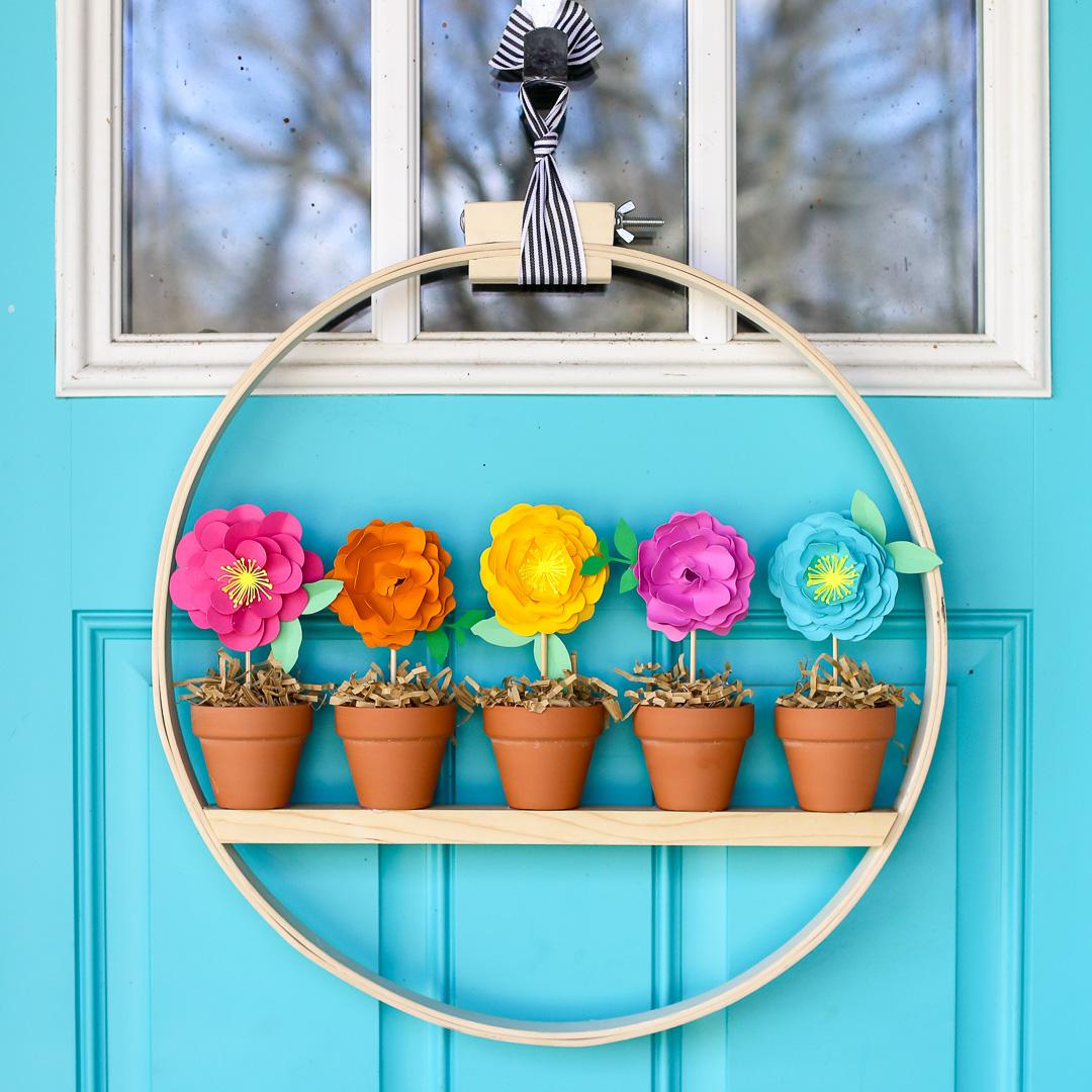 Mini Flower Pot Spring Wreath Idea
