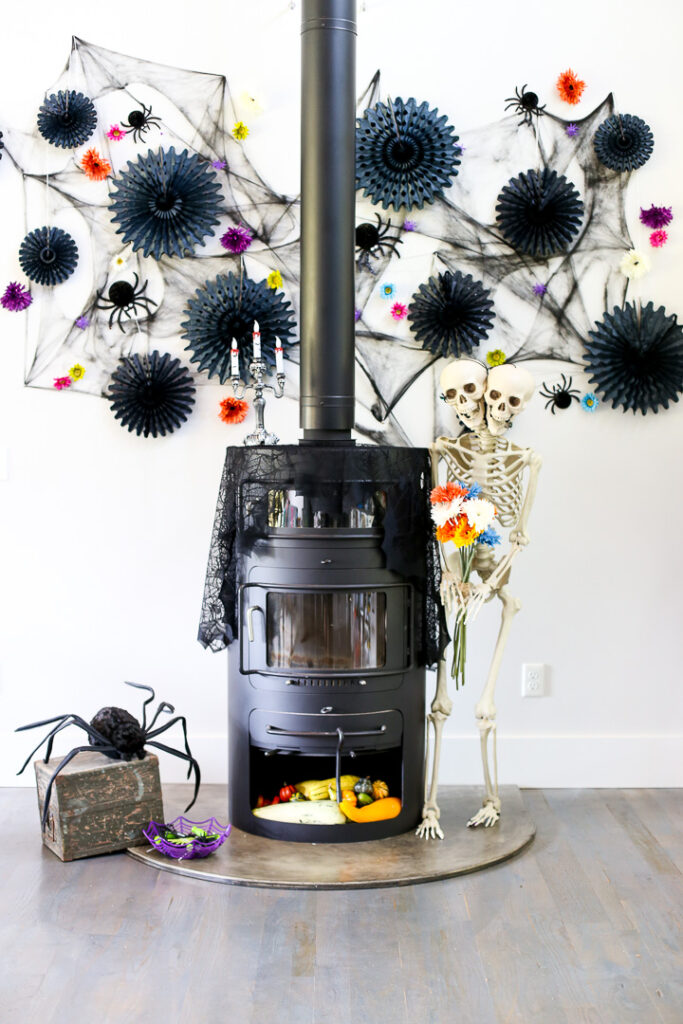 wall mantel decorations idea for Halloween