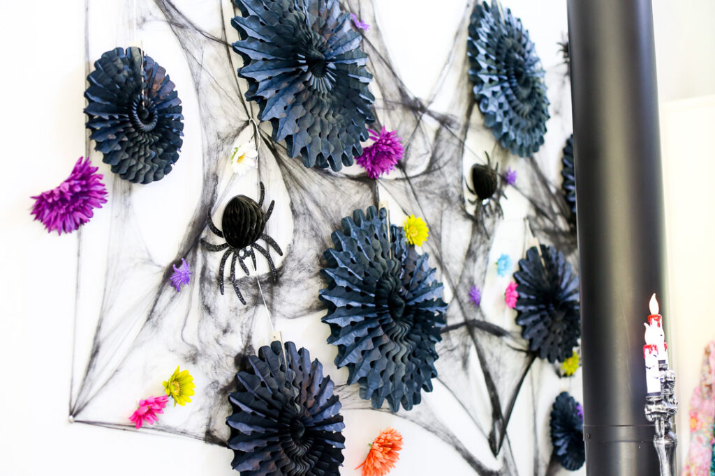 Skeleton spiders decor idea 7 1