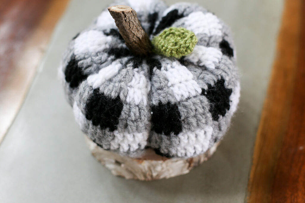Buffalo plaid crochet pumpkin 4