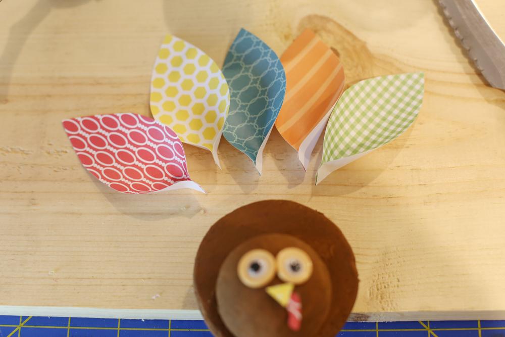 Craft turkey feathers kids craft idea