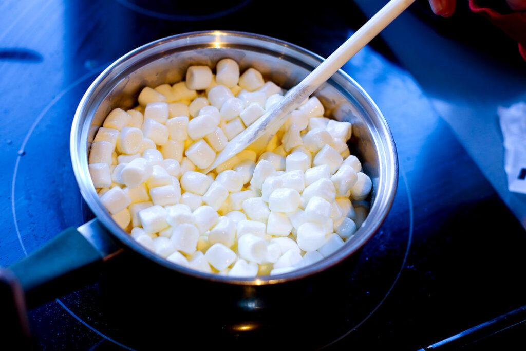 Easy popcorn ball 2