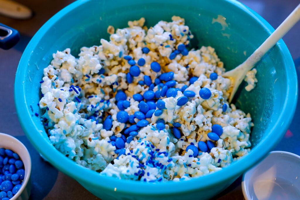 Easy popcorn ball 3