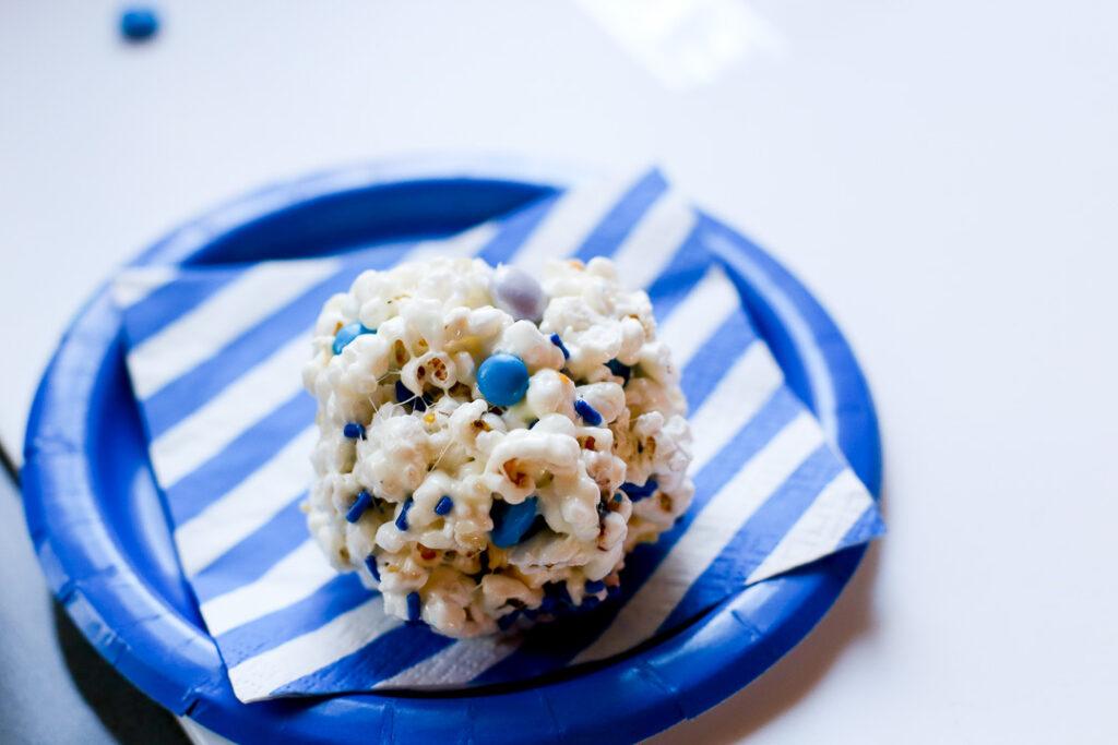 Easy popcorn ball 9