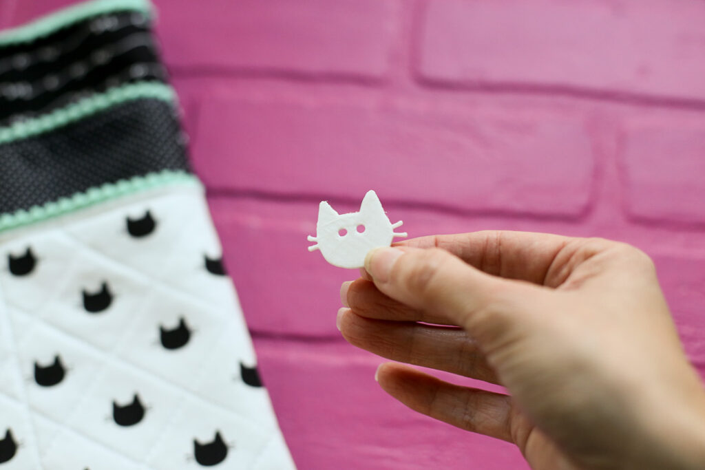 Cat button 3d printed 1