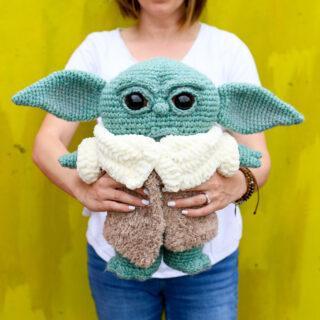 Crochet baby yoda 2