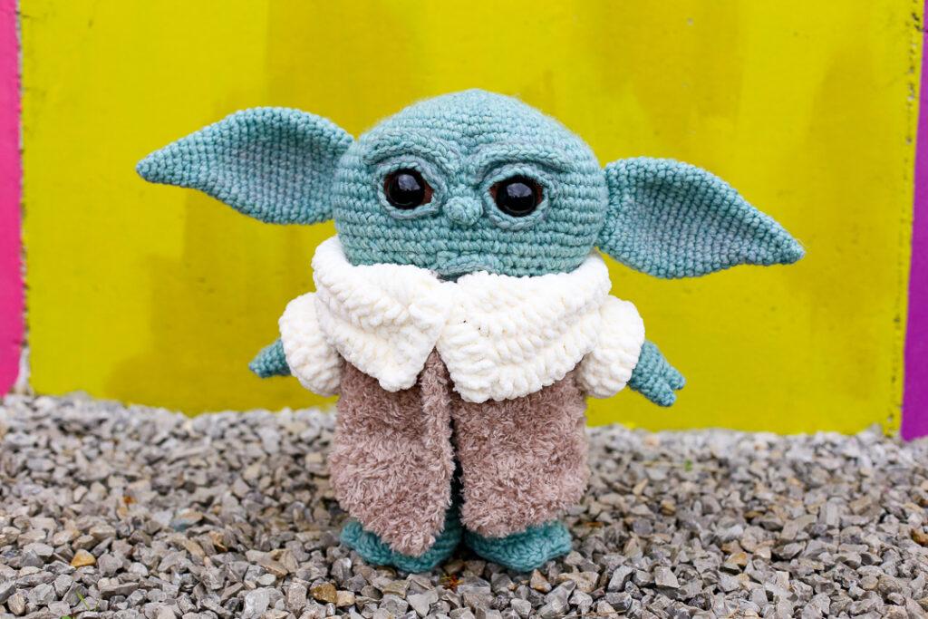 Crochet baby yoda 9