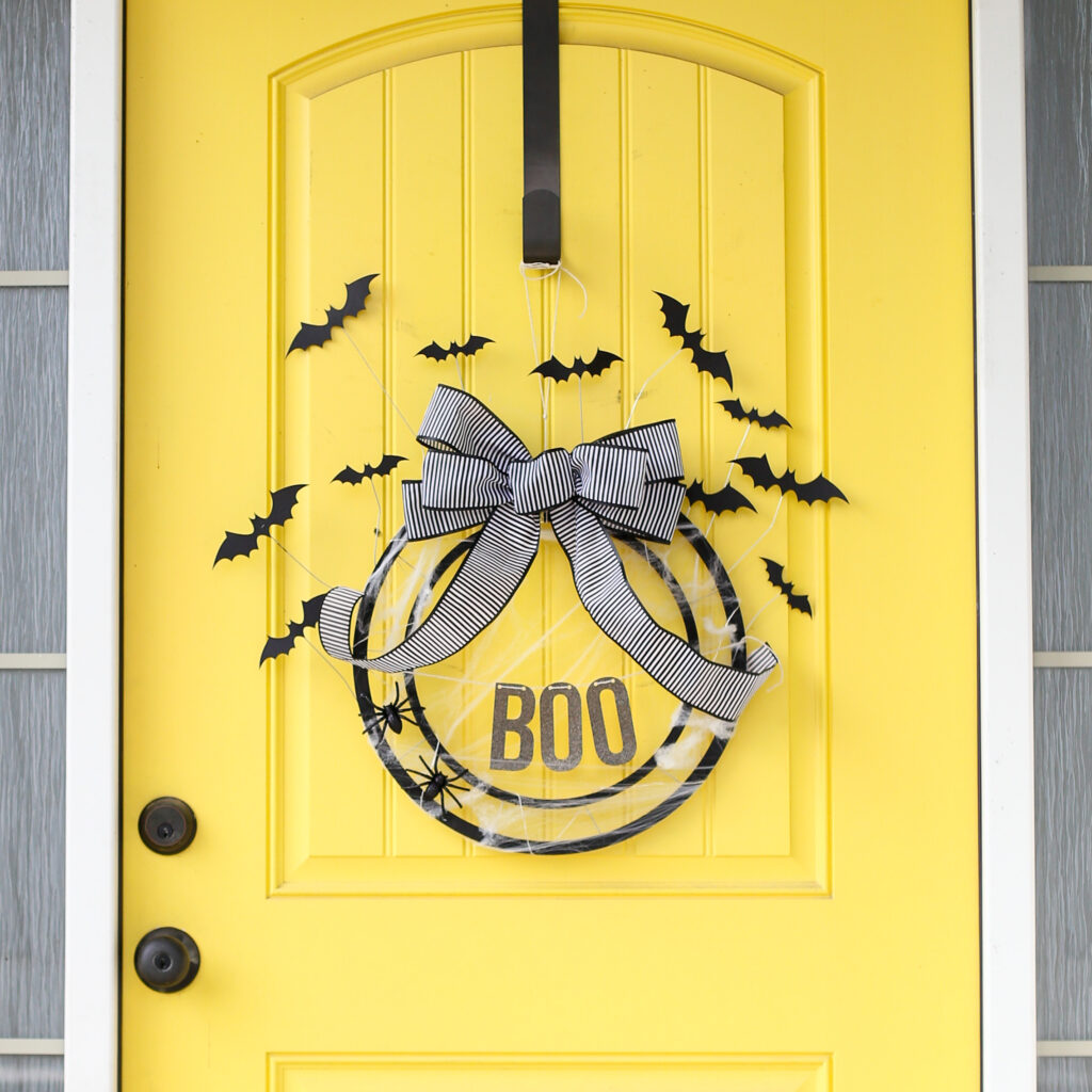 Bat wreath diy idea 4