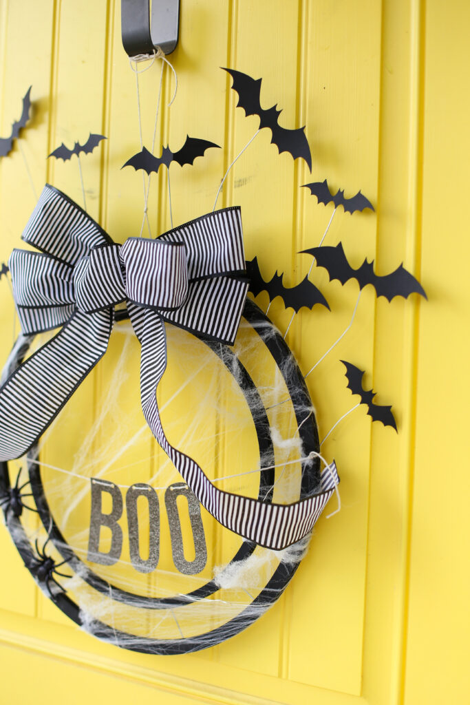 Bat wreath diy idea 6