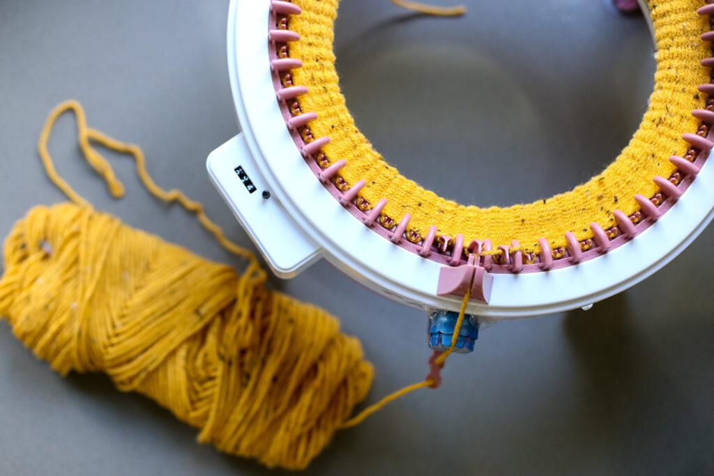 knit pumpkin fall craft idea 1