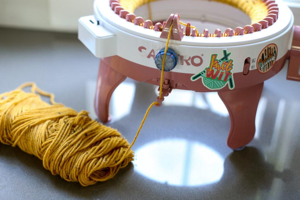 knit pumpkin fall craft idea 3